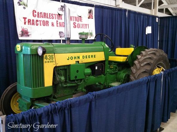 John Deere tractor SG