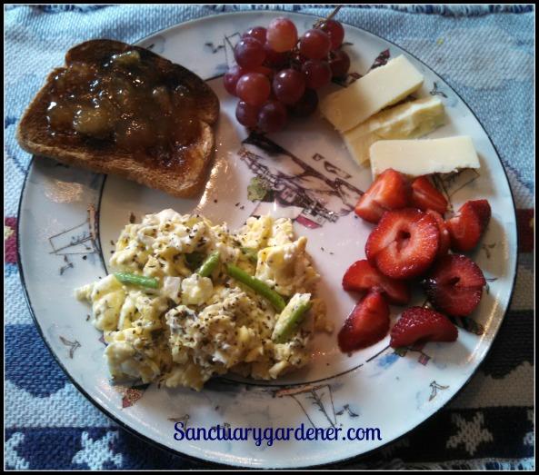 Breakfast with asparagus harvest