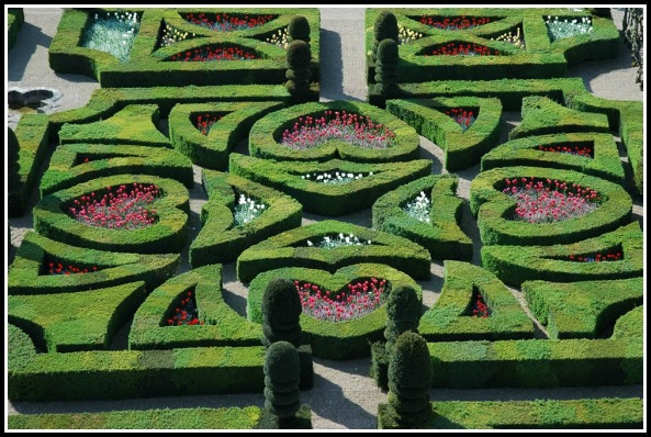 The Love Garden at Chateau Villandry (photo credit: chateauvillandry.fr)